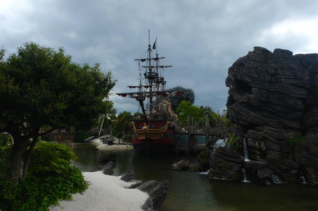 Skull Rock Disneyland Paris