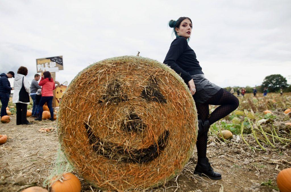 emma inks pumpkin haybale