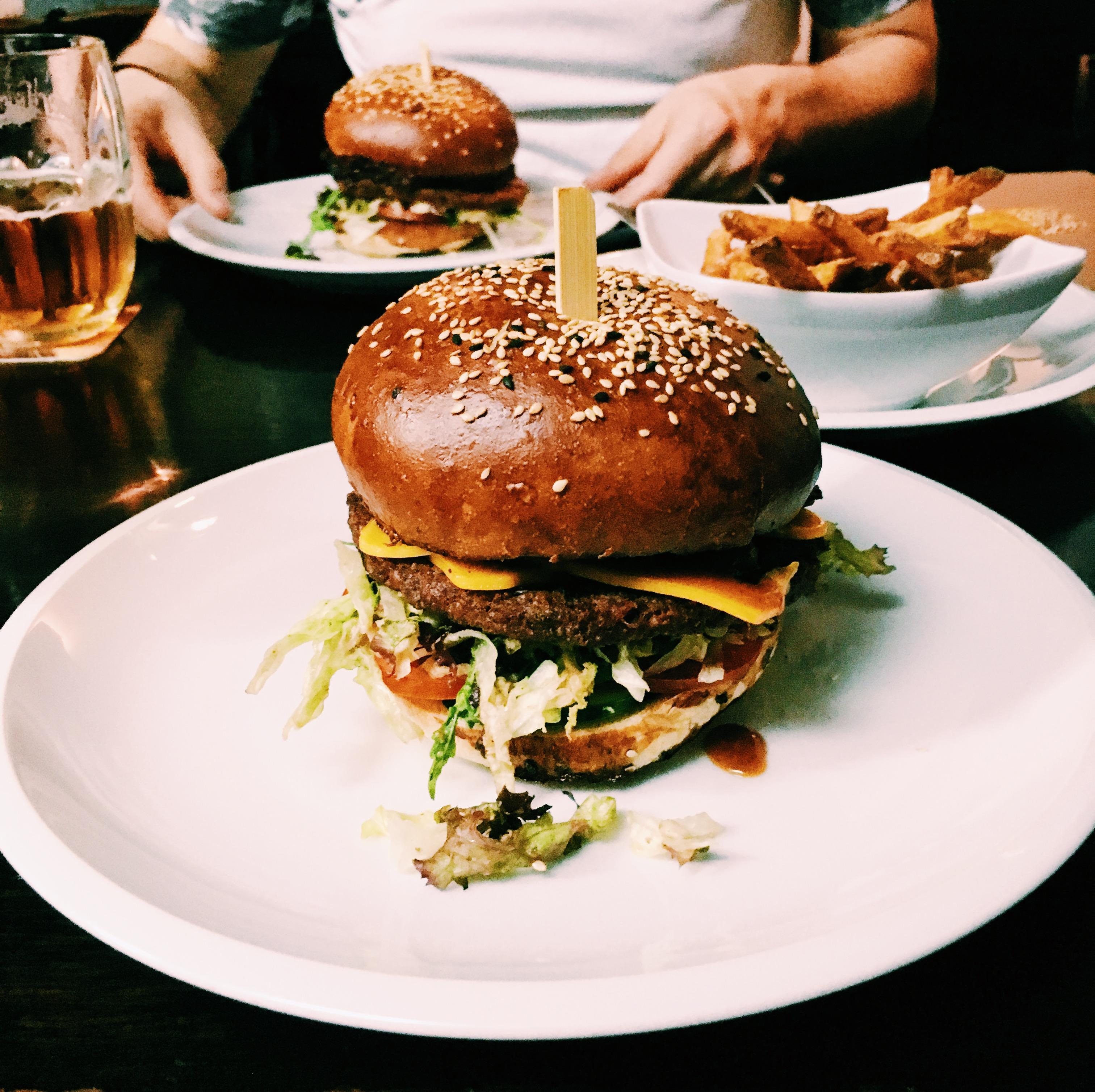Vegan Prague Burger Belezpub
